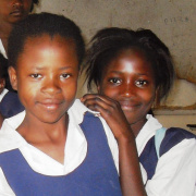 Parentless girls in the school of Kitwe, Zambia<div class='url' style='display:none;'>/en/</div><div class='dom' style='display:none;'>kirchgemeinde.ch/en/</div><div class='aid' style='display:none;'>390</div><div class='bid' style='display:none;'>12249</div><div class='usr' style='display:none;'>235</div>
