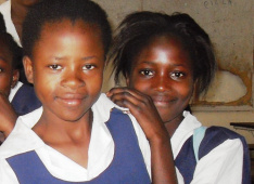 Parentless girls in the school of Kitwe, Zambia<div class='url' style='display:none;'>/en/</div><div class='dom' style='display:none;'>kirchgemeinde.ch/</div><div class='aid' style='display:none;'>390</div><div class='bid' style='display:none;'>12249</div><div class='usr' style='display:none;'>235</div>