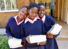 New class books for parentless schoolgirls in Kitwe, Zambia<div class='url' style='display:none;'>/en/</div><div class='dom' style='display:none;'>kirchgemeinde.ch/</div><div class='aid' style='display:none;'>390</div><div class='bid' style='display:none;'>12250</div><div class='usr' style='display:none;'>235</div>