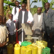 Inauguration of a new captured source in Kanoni, Uganda<div class='url' style='display:none;'>/en/</div><div class='dom' style='display:none;'>kirchgemeinde.ch/en/</div><div class='aid' style='display:none;'>410</div><div class='bid' style='display:none;'>12273</div><div class='usr' style='display:none;'>235</div>