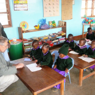 Tanzania —  In Massai Partner sein supports the construction of a new kindergarten. The project is competently overseen by Dirk Jüttner who is well versed in the local conditions.